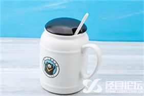 垦丁Q蛋奶茶让你不拘一格的大口畅饮