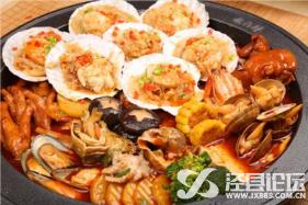 湖凸鲜铁锅炖不仅好吃还十分健康的美食快来尝尝吧!