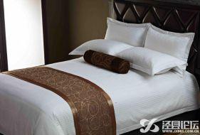 酒店床尾铺的毛巾什么用处呢?